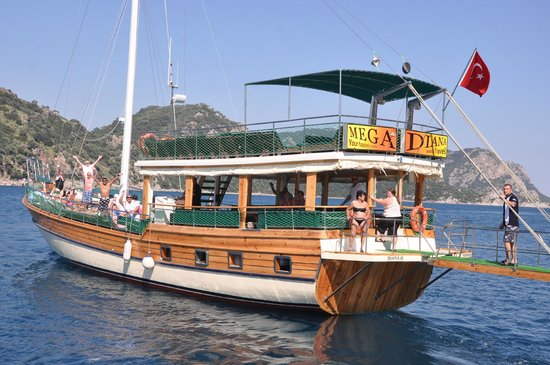 Mega Diana Boat Trip-Tours