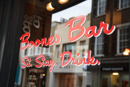 Boone's Bar