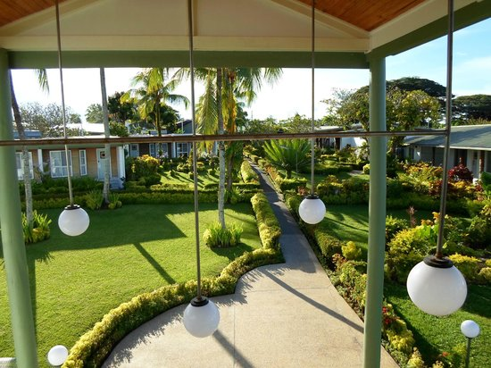 Madang Lodge Hotel: Hotel Grounds