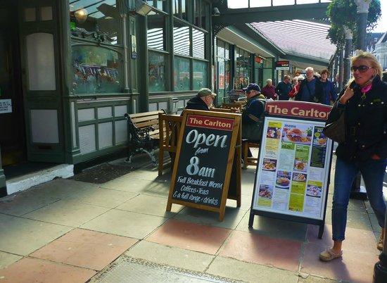 Carlton, Llandudno: The Carlton Llandudno, open @ 8am for breakfast