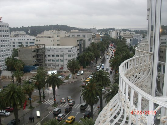 Hotel La Maison-Blanche : View from 7th floor window