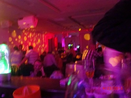Hotel La Maison-Blanche: Nightclub
