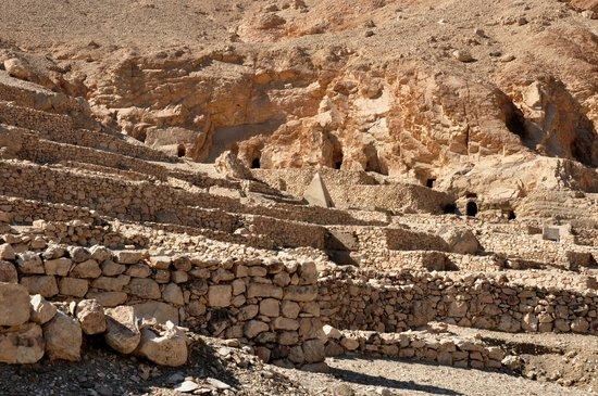 Valley of the Artisans (Deir el-Medina): Workers' village 5
