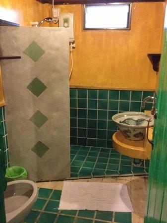 Buri Gallery House: salle de bain