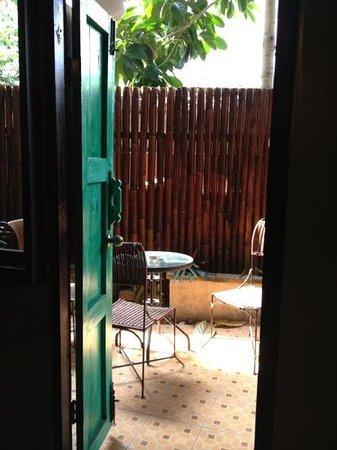 Buri Gallery House: terrasse