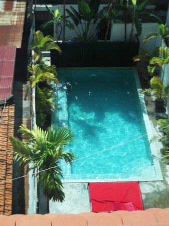 Angkor Panoramic Boutique Hotel: View of the pool