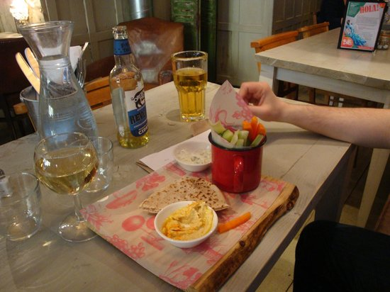 Bill's Restaurant: The hummus and tzatziki starter