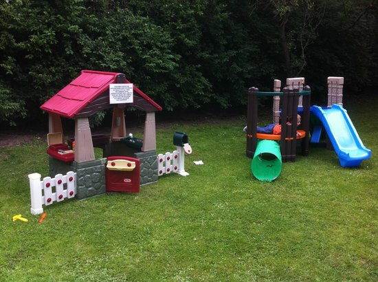 The Farmers Arms: Children provided for