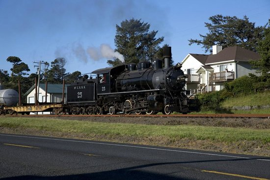Oregon Coast Scenic Railroad: McCloud River 25 along Hwy. 101, Rockaway Beach, OR