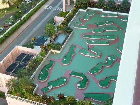 Ka'anapali Beach Club: View of the mini golf course