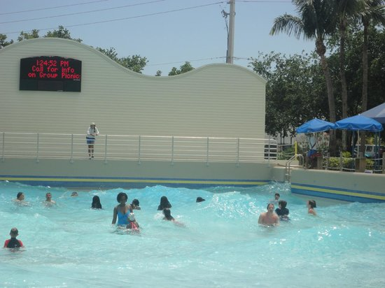 Rapids Water Park: The wave pool has a countdown timer