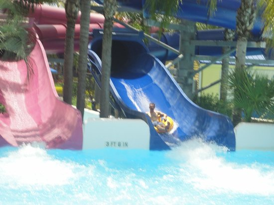 Rapids Water Park : Some of these slides are really fast