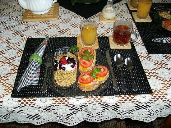 Country Fare Bed & Breakfast : breakfast