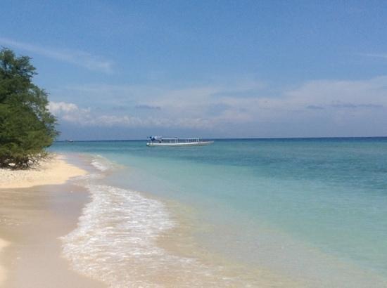 Laguna Gili Beach Resort: northern beach