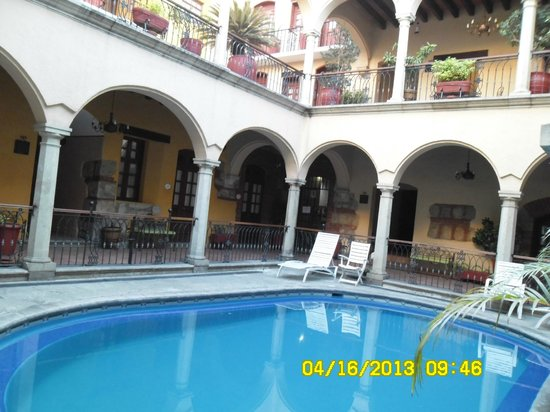 Hotel CasAntica: Piscina del hotel