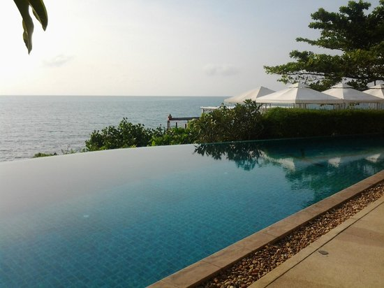 Kanda Residences: Resort infinity pool