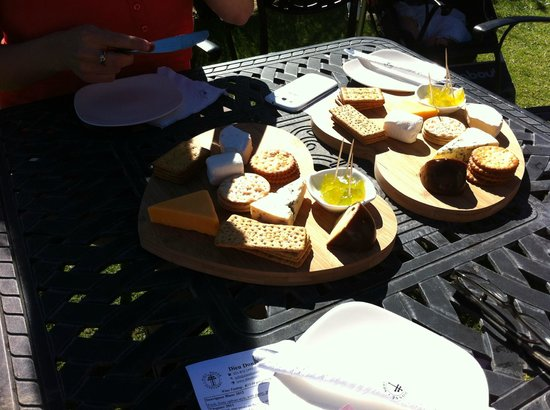 Dieu Donne: Good cheeseboard