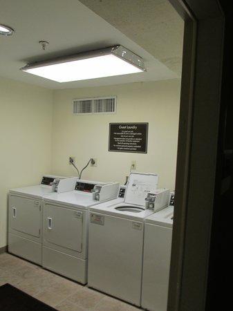 Sleep Inn at Miami International Airport: Landromat 2nd Floor