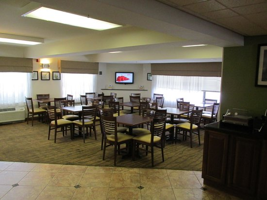 Sleep Inn at Miami International Airport: Breakfast Room adjascent to Reception area