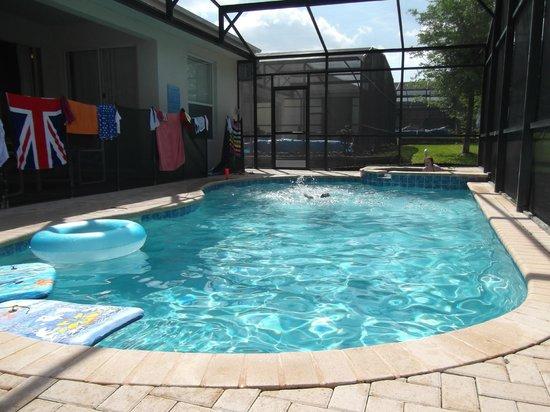 Windsor Hills Executive Plus Resort: Villa pool