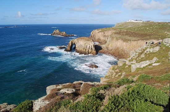 Kernow Coasteering: Coasteering set in the breathtaking scenery of the Lands End peninsula