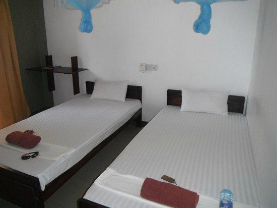 Nadeeja Guest House: Bedroom