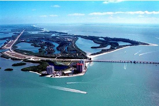 Lovers Key Resort: Aerial of Black Island and Lovers Key
