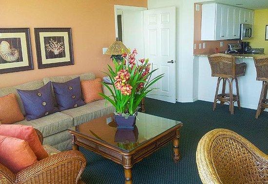 Lovers Key Resort: Luxury suite living area.
