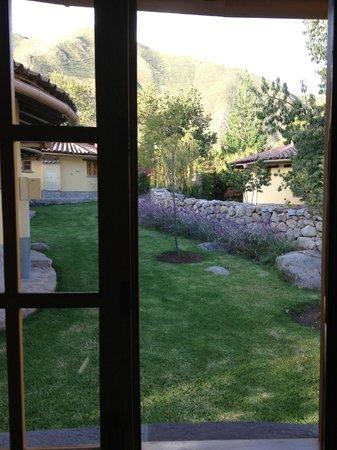 Sol y Luna - Relais & Chateaux : Front lawn of casita