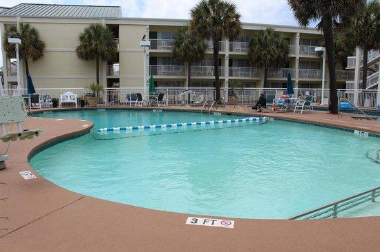 Best Western Plus Grand Strand Inn & Suites: the outdoor pool