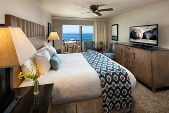 Cambria Landing Inn & Suites: Ocean View King Room