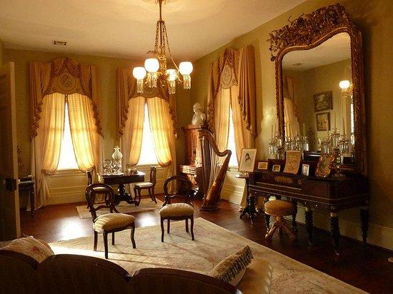 Historic Oak Hill Inn: Le Salon à disposition de chacun