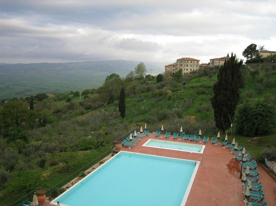 Park Hotel le Fonti: Early morning in Volterra