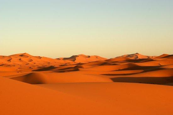 Belere Hotel Erfoud: Le dune rosse del deserto al tramonto