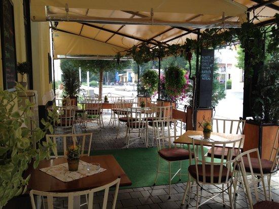 Le Griffon Cafe&Restaurant: Le Griffon