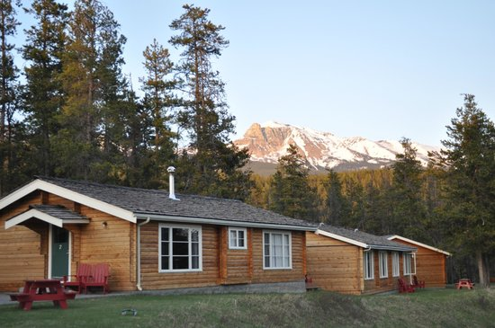 Jasper House Bungalows: MOUNTAIN VIEWS