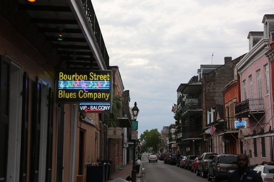 Four Points By Sheraton French Quarter: outside Bourbon Street