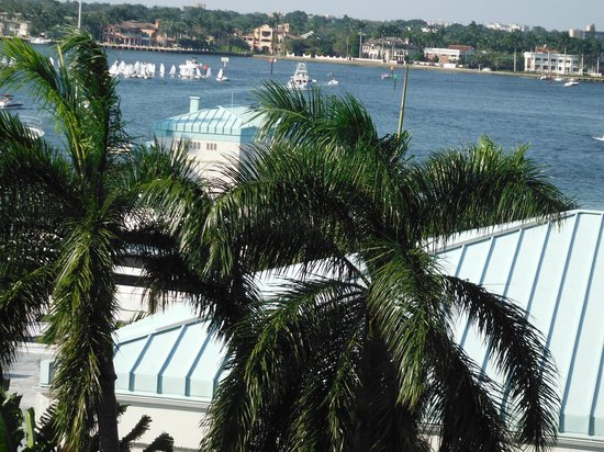 BEST WESTERN PLUS Oceanside Inn: Vue de l'Intercoastal Waterway