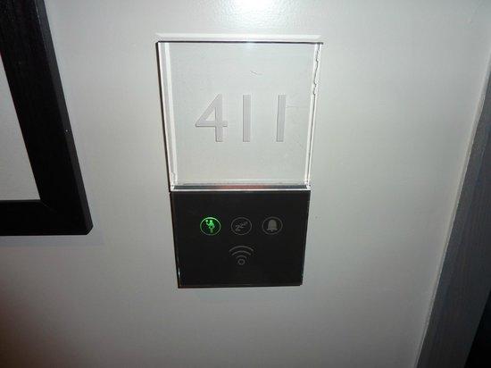Radisson Blu Edwardian Mercer Street Hotel: Room 411