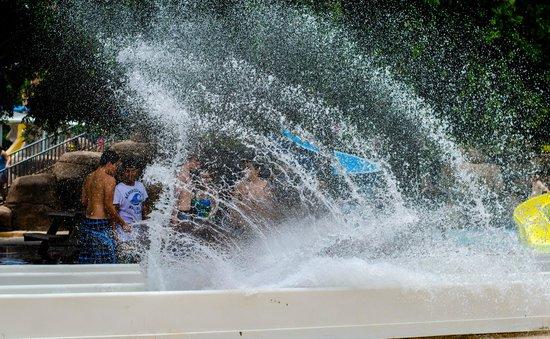 Splashtown : Splash wave