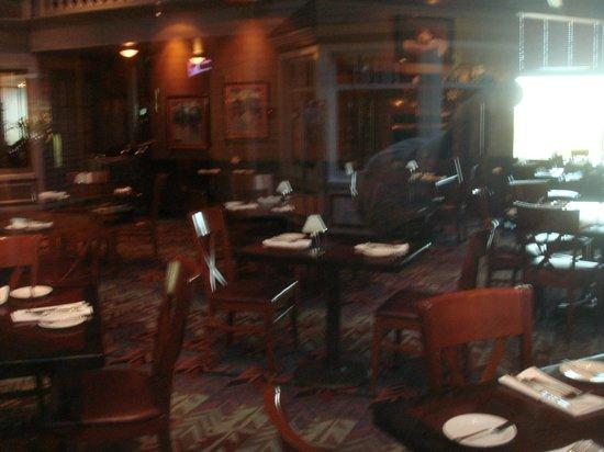 Cedars Steak House: Interior