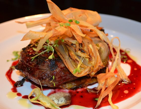 The Martinborough Hotel Bar and Grill: Chargrilled Scotch fillet