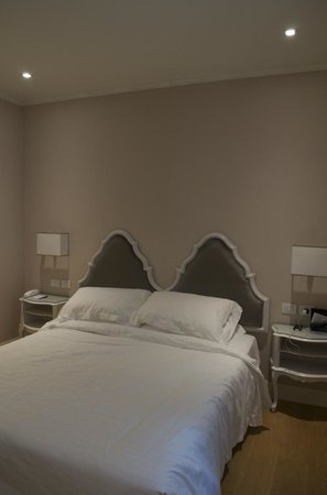 Hotel Rapallo: Modern/Clean Room