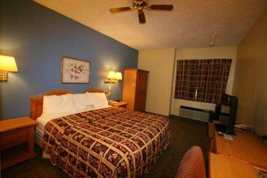 Days Inn Lehi: Standard King Bed Room