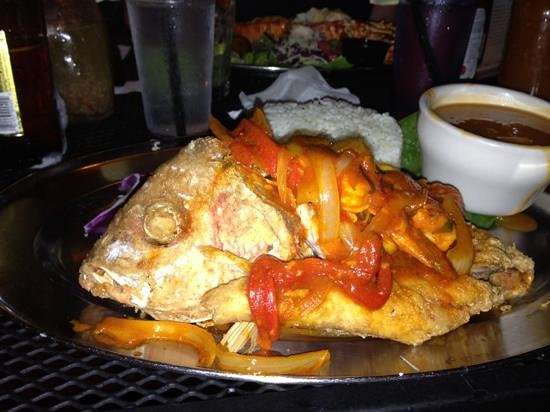 La Parrilla: Fried red snapper stuffed with shrimp with creole sauce