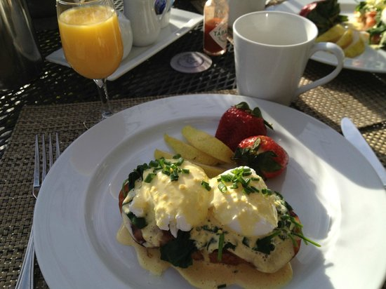 Chateau de Vie : One of the delicious breakfasts.