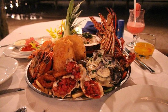 First Landing Beach Resort & Villas: Seafood platter - practically inhaled it!