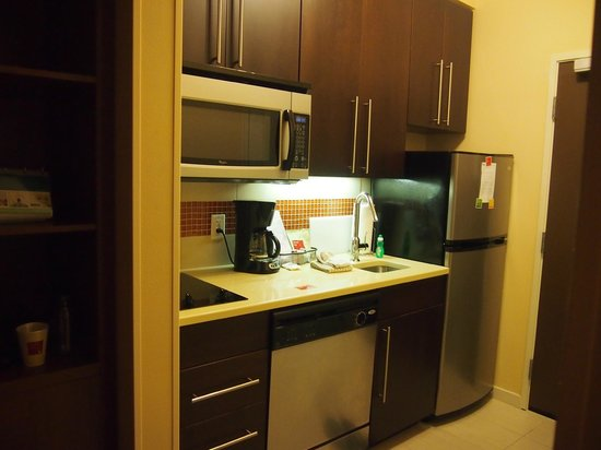 TownePlace Suites San Antonio Downtown: kitchen