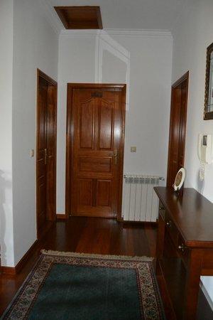Quinta do Carvalho: Hall do 1º andar, portas dos quartos