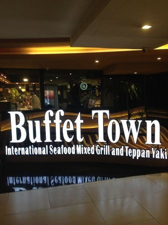 Buffet Town: Entrance